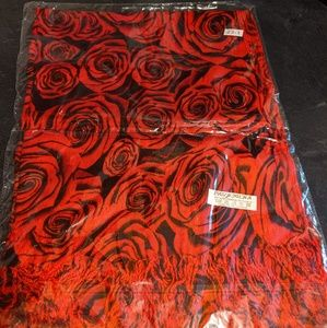 ROSES FLORAL RED BLACK SCARF